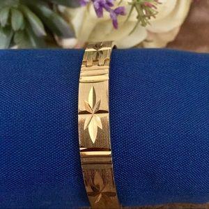 Sarah Coventry Vintage Gold Hinged Bracelet